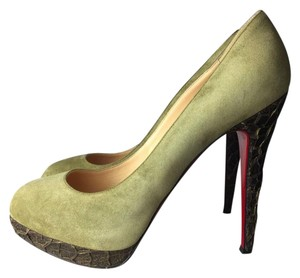 Christian Louboutin khaki green Pumps