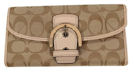 Preload https://img-static.tradesy.com/item/20118115/coach-khakibrownpink-signature-soho-lynn-buckle-wallet-0-1-540-540.jpg