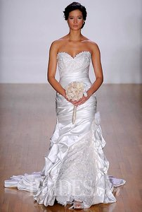 Alfred Angelo Sapphire Style #886 Wedding Dress
