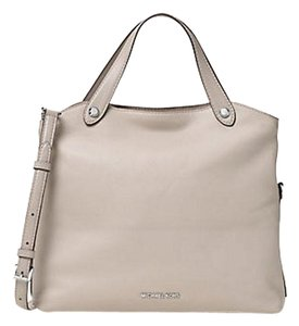 Michael Kors Satchel in beige cement