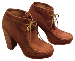 Dolce Vita Chunky Lace Up Stacked Heel Camel Boots