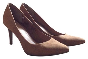 Old Navy Work Suede Suede Tan/Brown Pumps