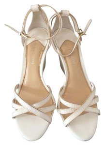 Gianni Bini White Wedges
