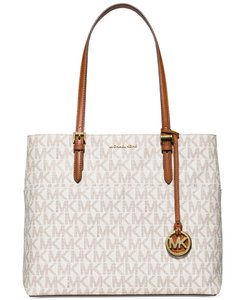 Michael Kors Tote in Vanilla Signature