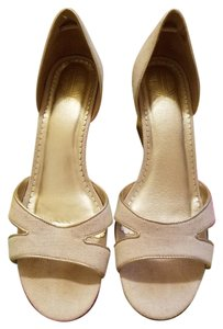 Lilly Pulitzer Linen Via Palm Beach light tan with gold trim Wedges