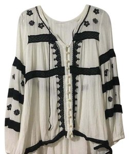 Free People Top Black and white