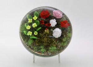 Rick Ayotte Flowers Two Frogs And Bug Art Glass Paperweight
