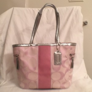 Coach Canvas Signature/logo Leather Handbag Tote in Two Tone Pink & Silver