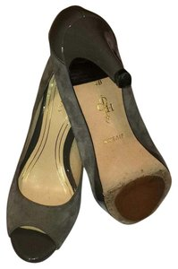 Cole Haan Gray suede and patent leather comb Pumps