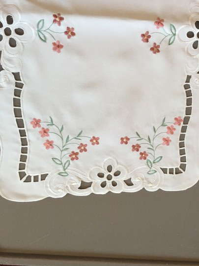 Preload https://img-static.tradesy.com/item/20121202/multicolor-perfect-condition-four-white-handmade-embroidered-colorful-placemats-0-1-540-540.jpg