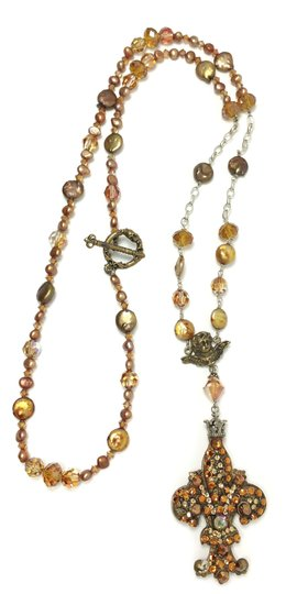 Kinley Kinley Pearl Bronze and Copper Pearl Fleur-de-lis Necklace