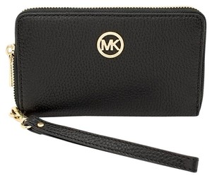 Michael Kors 35h5gfte3l 889154937451 Wristlet in Black