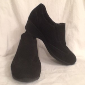 La Canadienne Comfortable Suede Slip Ons Black Wedges