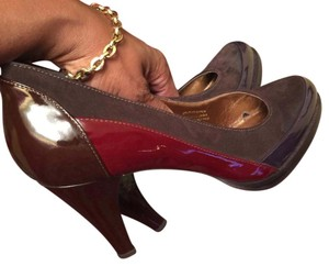 Banfi Zambrelli Brown Patent Leather and Suede and Burgundy Pumps