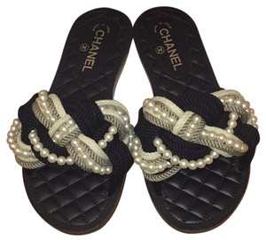 Chanel Black/Beige Sandals