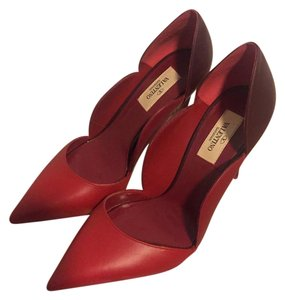 Valentino Heels Never Been Worn Red Pumps