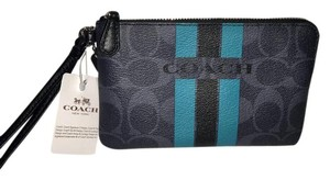 Coach Brand New ..CORNER ZIP WRISTLET IN SIGNATURE COACH F66052