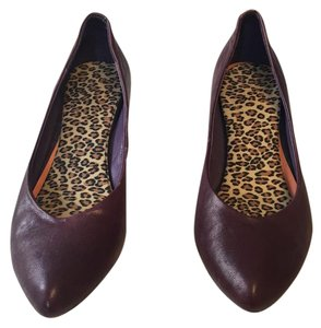 The Sisters Campbell Vintage Leather Purple Pumps