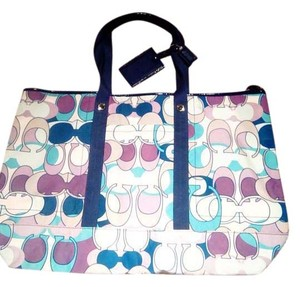 Coach Kyra Daisy Print Kyra Large Travel Tote Multicolored Travel Bag