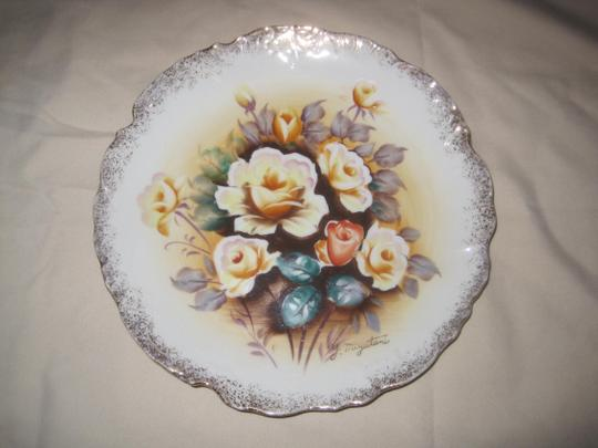 Other 2 Japanese Hand Painted Porcelain Gold Trim Plates Signed Y MIZUTANI Image 2