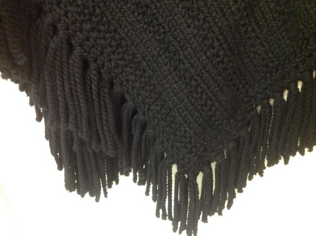 Other Wool Knitted Handmade Cape Image 3