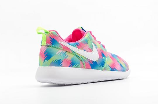 Nike Women Sneaker Gifts For Her Fashion Sneakers Running Sneakers Sports Sneakers Multi color Athletic Image 5