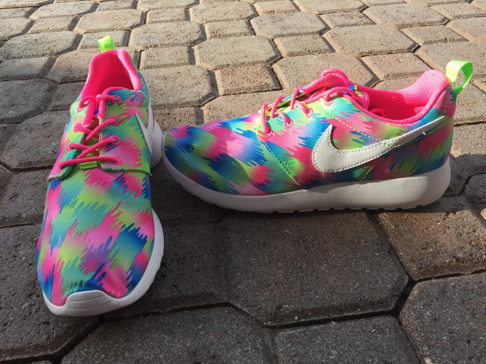 d83e92b978 Nike Pink Multi Color Youth Roshe One Print Sneakers Size US 7 ...