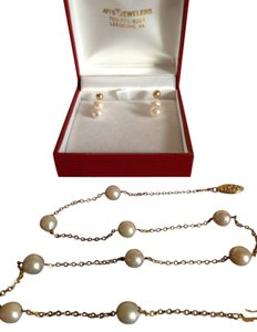 Pearl necklace w/14K chain and earrings with 14K Gold clasp and trim