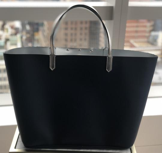 Givenchy Bags Logo Classics Logo Tote in Navy Image 3