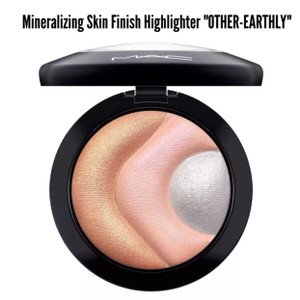 MAC Cosmetics Otherearthly Highlighter