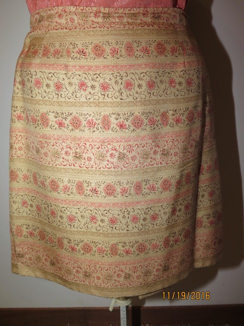 Other 5 pieces Silk Gold Skirt Suit Image 8