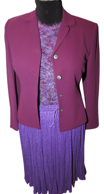Preload https://img-static.tradesy.com/item/20126360/casual-corner-purple-6-piece-couture-raspberry-red-knit-top-earrings-skirt-suit-size-4-s-0-1-650-650.jpg