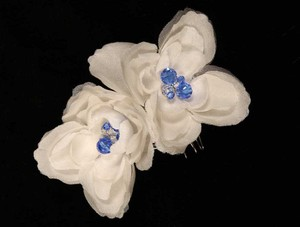 Ossai Diamond White with Blue Set Of Flowers Hair Accessory