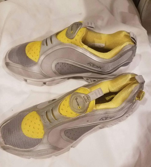 Reebok Sneaker Pump Yellow and Gray Athletic Image 4