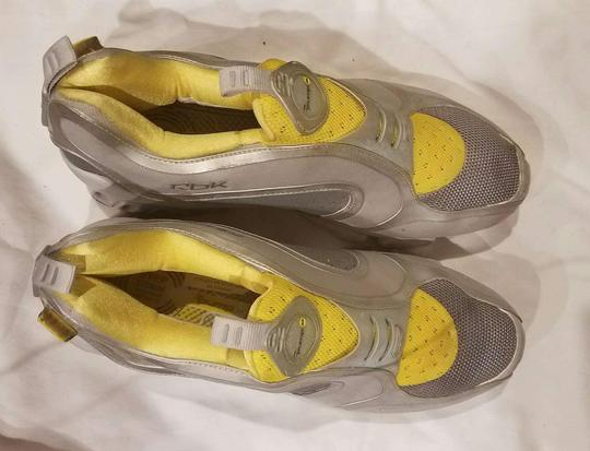 Reebok Sneaker Pump Yellow and Gray Athletic Image 5