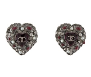 Chanel Gunmetal Chanel interlocking CC heart stud earrings