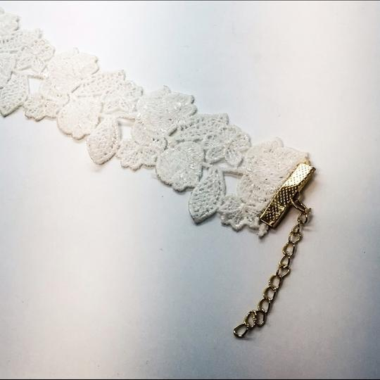 GLLAAM Adorable Choker White Lace Image 1