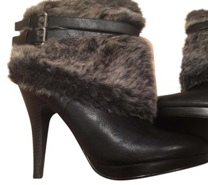 Style & Co Black & grey Boots
