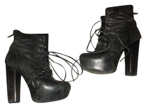 Steve Madden Distressed Leather Zipper Black Boots
