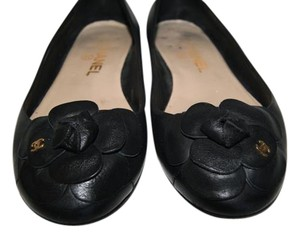 Chanel Leather Flower Cc Logo Black Flats