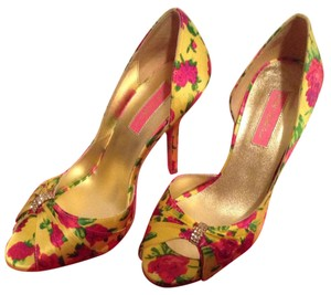 Betsey Johnson Floral Peep Toe Yellow Pumps