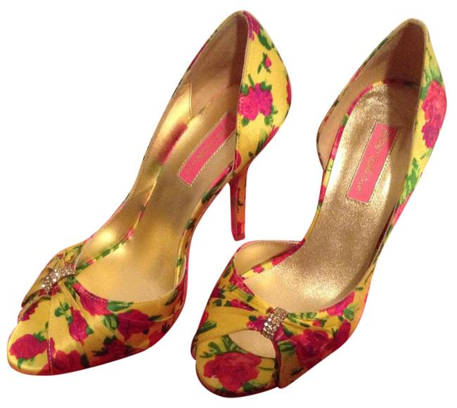 Item - Yellow Floral Peep Toe Pumps Size US 7