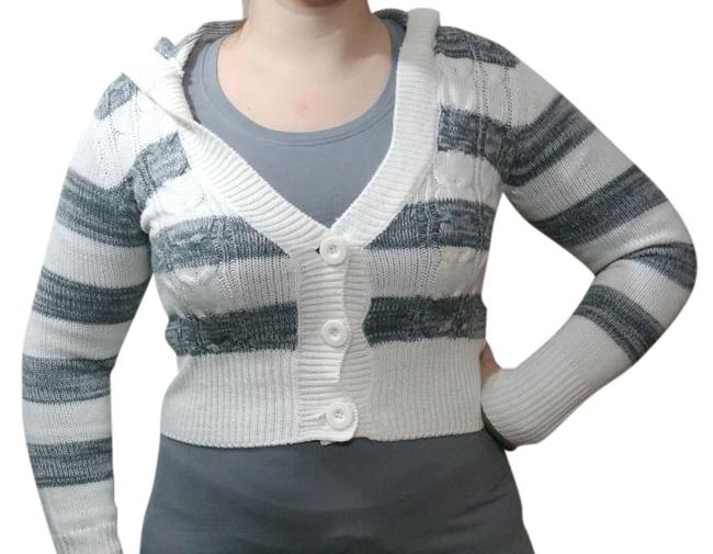 Preload https://img-static.tradesy.com/item/20128524/no-boundaries-grey-white-multi-color-striped-cable-knit-hooded-cardigan-size-8-m-0-3-650-650.jpg
