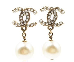 Chanel Chanel Gold Twisted CC Pearl Dangle Piercing Earrings