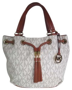 Michael Kors Gathered Pvc Canvas Gold Hardware Tote in Signature Vanilla
