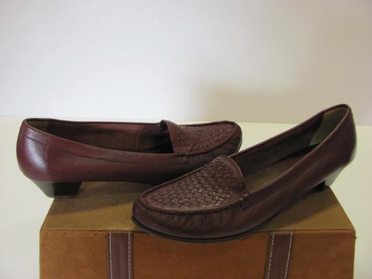 Trotters Leather Size 8.50 Slim Good Condition Brown Flats Image 1