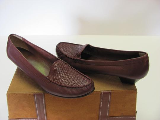 Trotters Leather Size 8.50 Slim Good Condition Brown Flats Image 3