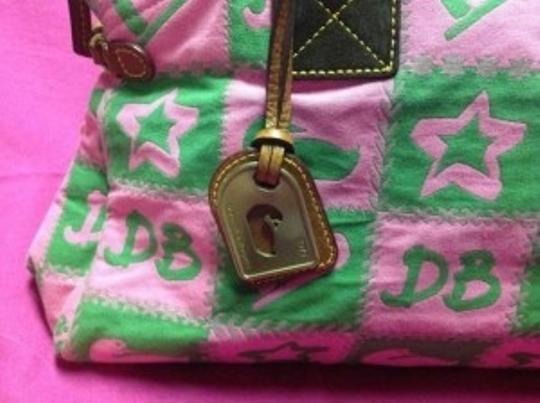 Dooney & Bourke Duck Ducks Star Stars Heart Hearts Squares Brown Leather Duffle Purse Large Zipper Satchel Pocket Pockets Shoulder Bag
