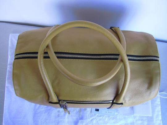 Chloé Pebbled Leather Satchel in yellow Image 2