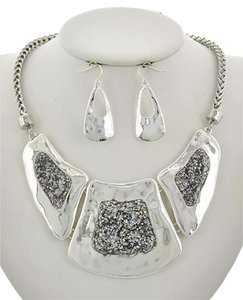Other Silver Ab Glitter Necklace & Earring Set
